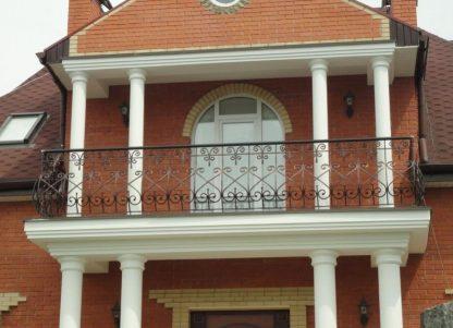 Классическое ограждение балкона