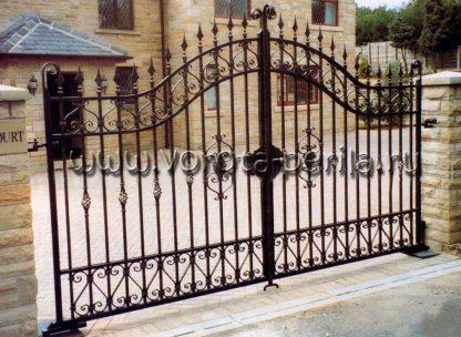 Легкие распашные кованые ворота