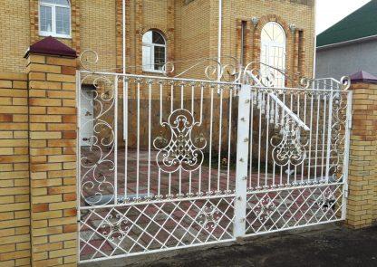 Кованые ворота белые