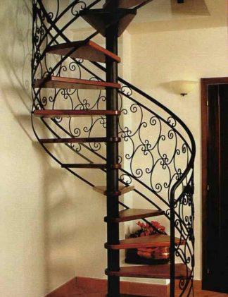 Винтовая лестница с поворотом на 180 градусов