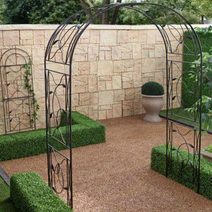 Кованая садовая арка Агния