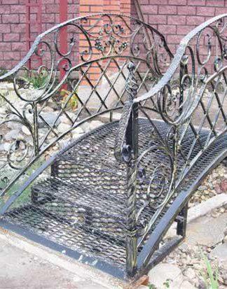 Кованый мостик металлический